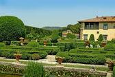 Beautiful Villa and Gardens overlooking Florence at Settignano Tuscany — Stock Photo