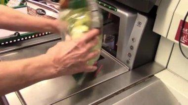 Supermarket checkout — Stock Video