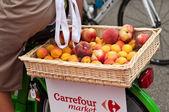 Mulhouse - Francja - 13 th lipca 2014 - tour de France - carrefour rynku reklamy — Zdjęcie stockowe