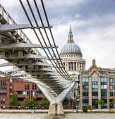London Millennium Bridge and St Paul's Cathedral — Stock Photo