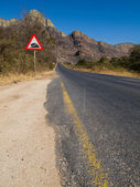 Paved road in the Drakensberg Mountains, South Africa — Stock Photo