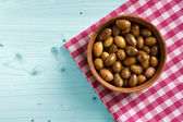 Small bowl of organic olives — Stockfoto