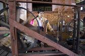Myanmar hand-loom woman. — Stock Photo