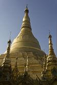 Shwedagon Pagoda, Myanmar gold Symbol — Stock Photo