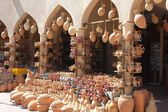 Typical Omani amphoras shop — Stock Photo