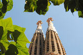 BARCELONA, SPAIN - AUGUST 11: Spires of Church of the Holy Famil — Stock Photo