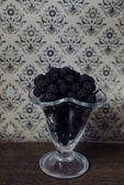 Sweet blackberries — Stock Photo