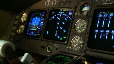 Boeing 747 cockpit — Stock Video