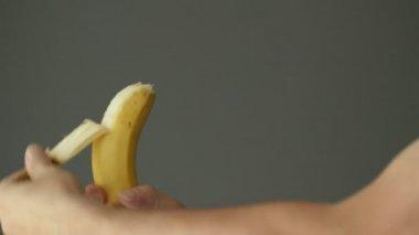 Peeling skin from banana — Stock Video