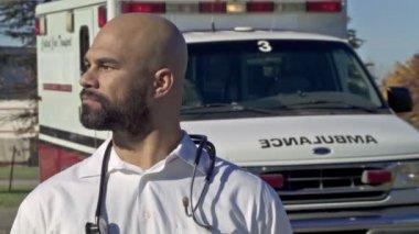 Male Paramedic — Stock Video