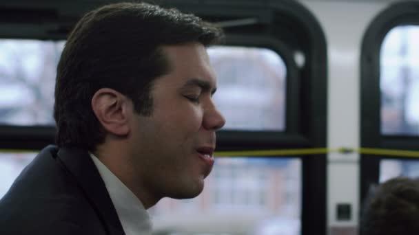 извращенцы в автобусах и трамваях видео