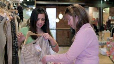 Women Shopping — Stock Video