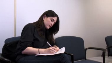 文书工作的女人 — 图库视频影像