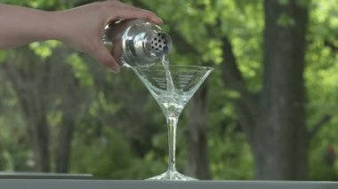 Martini Pour — Stock Video