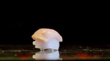 Clockwork Sushi Loop — Vidéo
