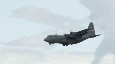 C130 Hercules Landing — Stock Video