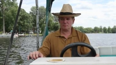 Leisure Boat Captain — Stock Video