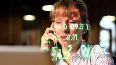 Laptop Trader Woman — Stock Video