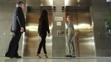 Waiting for Elevator — Stock Video