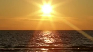 Coucher du soleil du lac — Vidéo