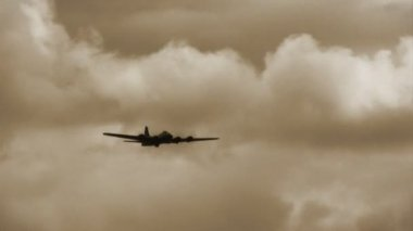 B-17 Flying Fortress — Stock Video