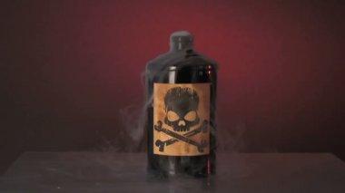 Bouteille de poison — Vidéo