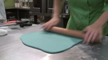 Blue Fondant Rolling — Stock Video
