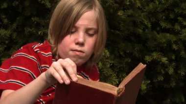 Boy Reading — Stock Video