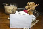 Fiche de recette avec du bicarbonate ours faisant soufflé riz céréales traite — Photo