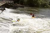 ćwiczenia, białe wody rafting — Zdjęcie stockowe