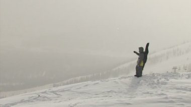 Bad weather, snowboarder — Video Stock