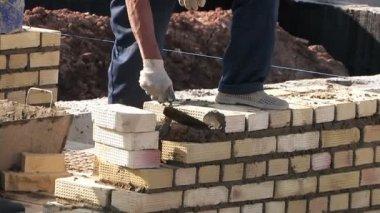 Work bricklayer — Stock Video