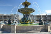 Fountain at Place de la Concord in Paris — Stock Photo