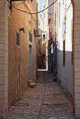 Narrow tunisian street — Stok fotoğraf