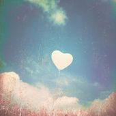 Heart Balloon in Vintage Sky — Stock Photo
