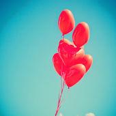 青い空にバルーンを愛する — ストック写真