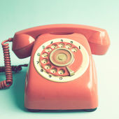 ретро красный телефон — Стоковое фото