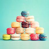 сладкие и красочные французские миндальные печенья — Стоковое фото