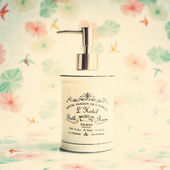 Vintage soap dispenser — Stockfoto