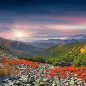 Herfst ochtend in bergen — Stockfoto