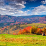 Autumn panorama of the mountain village — Stock Photo #50893255