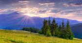 Soluppgång i bergen — Stockfoto