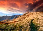 Alba d'autunno in montagna — Foto Stock