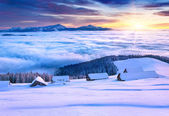 Colorful winter morning in the mountains — Stock Photo