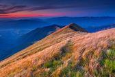 Paisaje de otoño en las montañas. — Foto de Stock