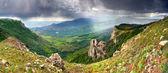 Sommaren landskapet innan regnet — Stockfoto