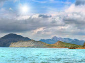 Seascape near the mountains — Stockfoto