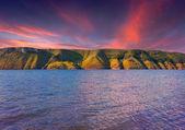 Dramatic sunset on the lake — Stock Photo