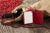 Fles rode wijn met een bericht — Stockfoto