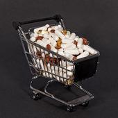 Pillole in un carrello — Foto Stock